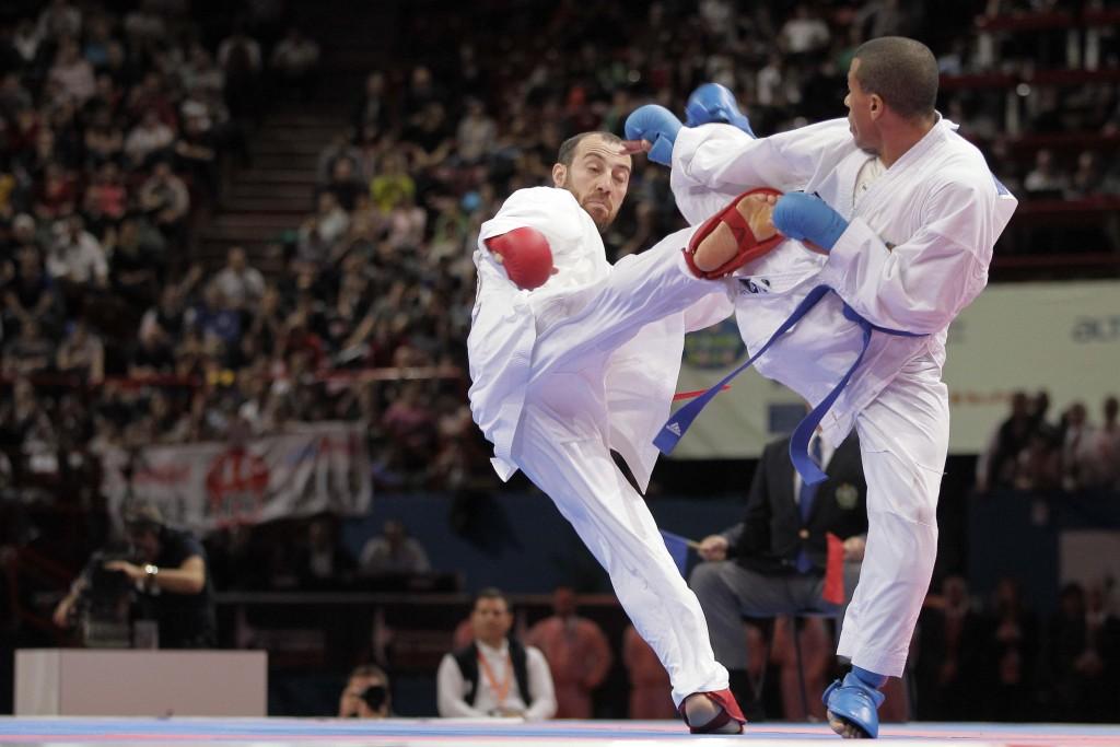 Mathieu Cossou (France) - Murat Salh Kurnaz (Turquie) - Mondiaux de Karate 2012 au Palais Omnisports Paris-Bercy, Paris, France.