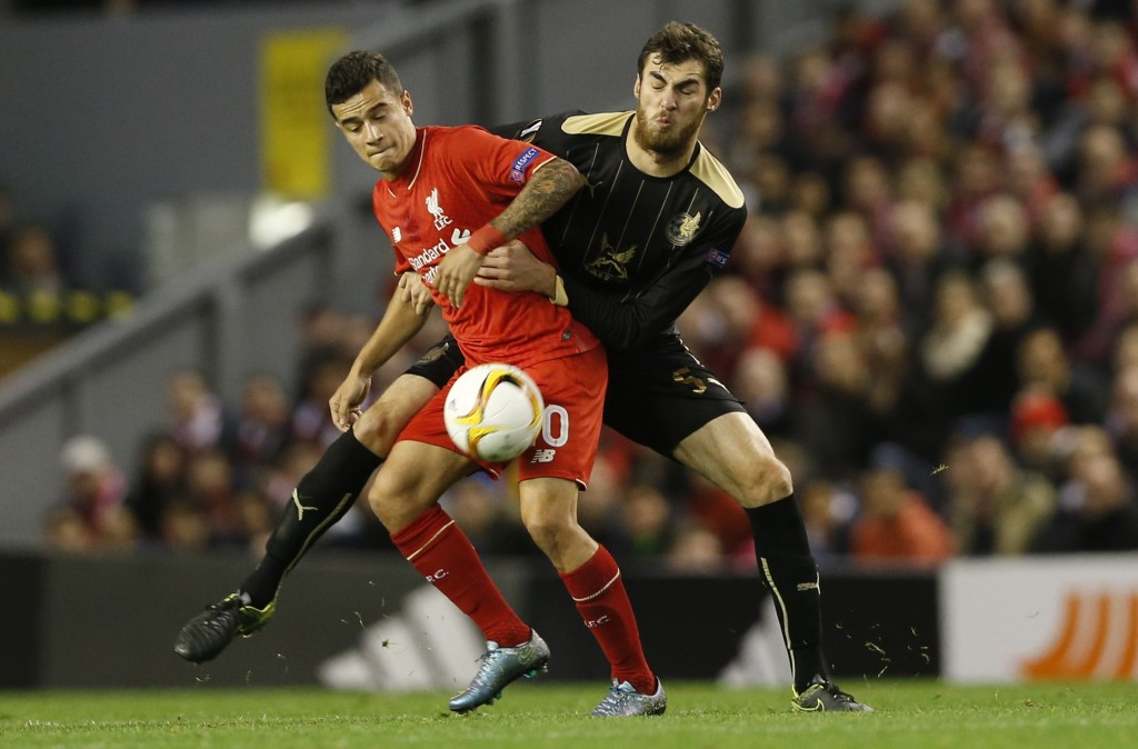 Football - Liverpool v Rubin Kazan - UEFA Europa League Group Stage - Group B - Anfield, Liverpool, England - 22/10/15 Liverpool's Philippe Coutinho in action with Rubin Kazan's Saba Kverkvelia Action Images via Reuters / Carl Recine Livepic EDITORIAL USE ONLY.