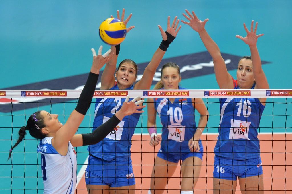 Carolina Costagrande (ITA) vs Jovana Brakocevic (SRB) et Milena Rasic (SRB)