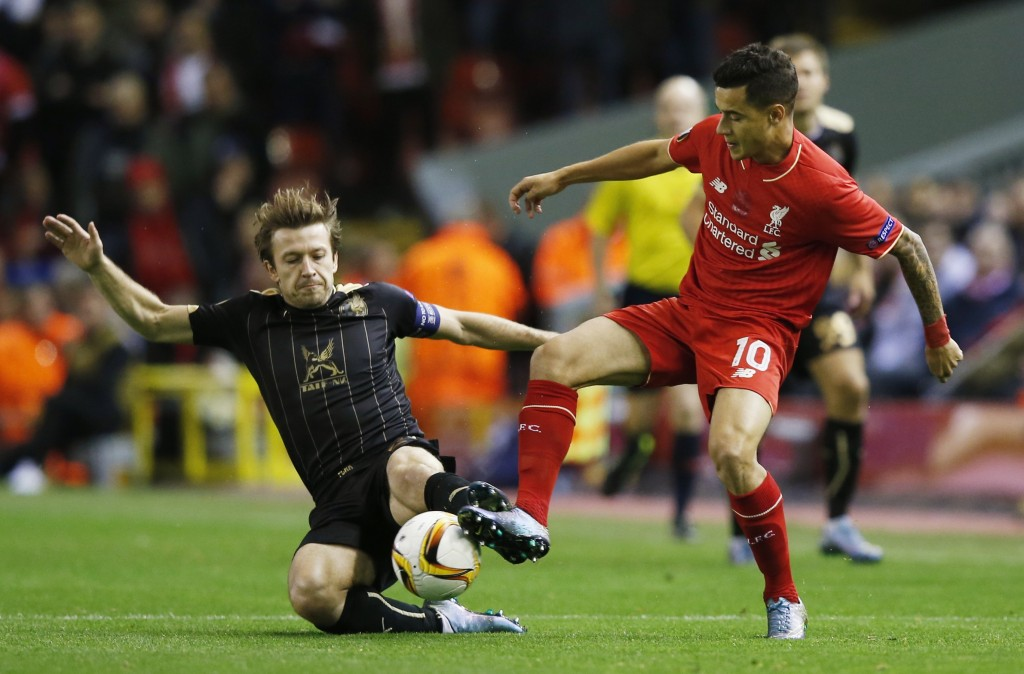 Football - Liverpool v Rubin Kazan - UEFA Europa League Group Stage - Group B - Anfield, Liverpool, England - 22/10/15 Liverpool's Philippe Coutinho in action with Rubin Kazan's Oleg Kuzmin Reuters / Phil Noble Livepic EDITORIAL USE ONLY.