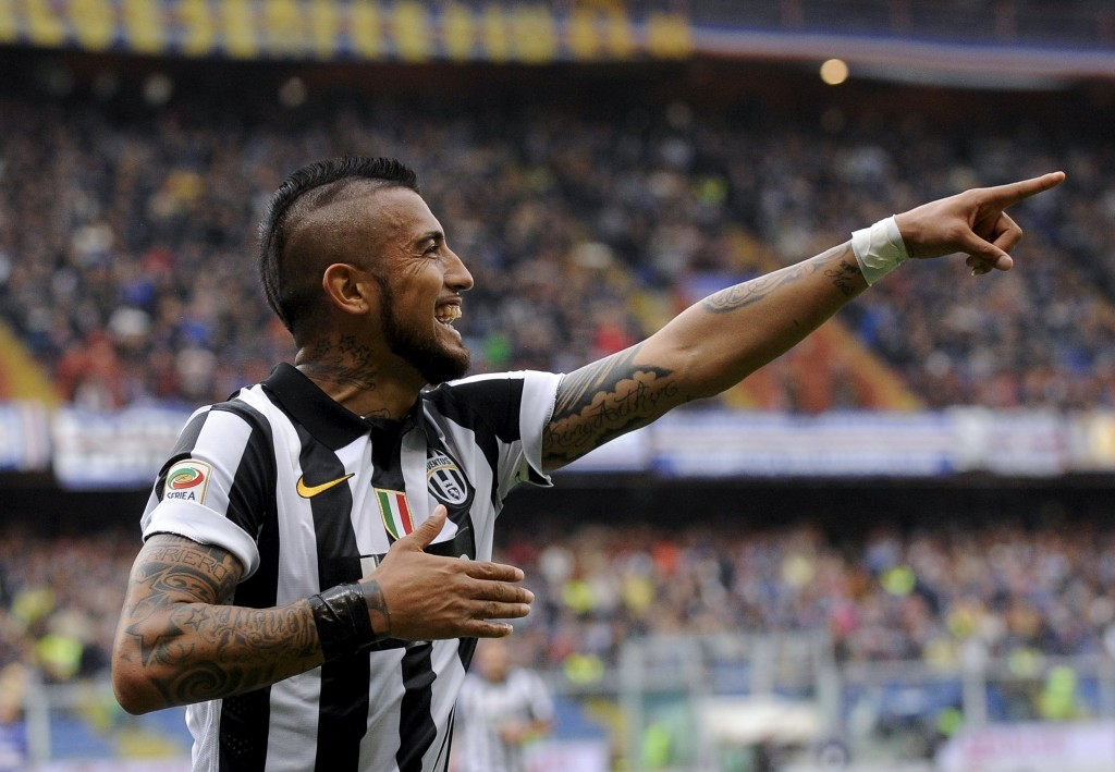 Juventus' Arturo Vidal celebrates after scoring against Sampdoria during their Serie A soccer match at the Marassi stadium in Genoa, Italy, May 2, 2015.   REUTERS/Giorgio Perottino  Picture Supplied by Action Images