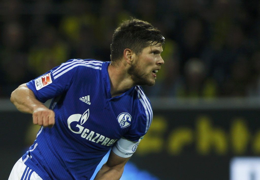 Schalke 04's Jan-Klaas Huntelaar celebrates a goal during their Bundesliga first division soccer match against Borussia Dortmund in Dortmund, Germany November 8, 2015.   REUTERS/Ina Fassbender  DFL RULES TO LIMIT THE ONLINE USAGE DURING MATCH TIME TO 15 PICTURES PER GAME. IMAGE SEQUENCES TO SIMULATE VIDEO IS NOT ALLOWED AT ANY TIME. FOR FURTHER QUERIES PLEASE CONTACT DFL DIRECTLY AT + 49 69 650050.    Picture Supplied by Action Images