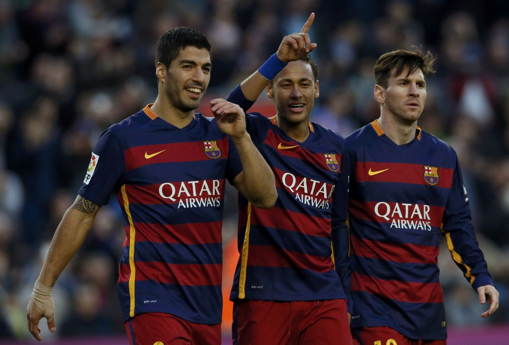 Football Soccer - Barcelona v Real Sociedad - Spanish Liga BBVA - Camp Nou, Barcelona, Spain - 28/11/15  Barcelona's Neymar celebrates scoring the third goal with team mates Luis Suarez and Lionel Messi REUTERS/Albert Gea  Picture Supplied by Action Images