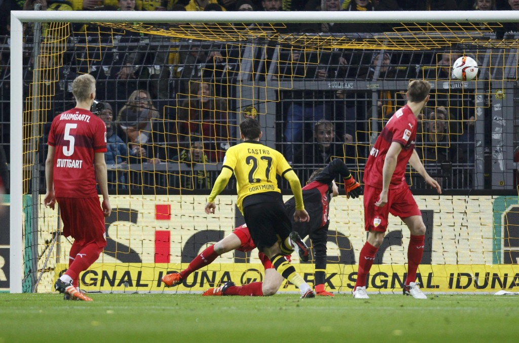 Football Soccer - Borussia Dortmund v VfB Stuttgart - German Bundesliga - Signal Iduna Park, 29/11/15  Borussia Dortmund's Gonzalo Castro scores a goal against VfB Stuttgart    REUTERS/Ina Fassbender   DFL RULES TO LIMIT THE ONLINE USAGE DURING MATCH TIME TO 15 PICTURES PER GAME. IMAGE SEQUENCES TO SIMULATE VIDEO IS NOT ALLOWED AT ANY TIME. FOR FURTHER QUERIES PLEASE CONTACT DFL DIRECTLY AT + 49 69 650050  Picture Supplied by Action Images