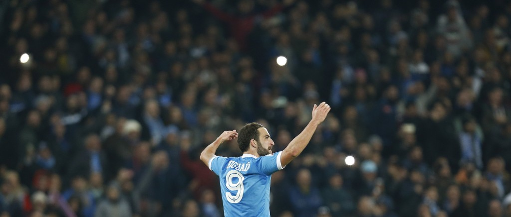 Football Soccer  - Inter Milan v Napoli - Italian Serie A - San Paolo, Naples, Italy 30/11/15. Napoli's Gonzalo Higuain celebrates after scoring against Inter Milan.    REUTERS/Ciro De Luca   Picture Supplied by Action Images