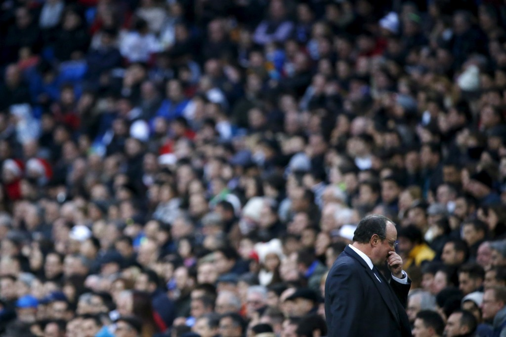 Football Soccer - Real Madrid v Real Sociedad - Spanish Liga BBVA - Santiago Bernabeu stadium, Madrid, Spain - 30/12/15 Real Madrid's coach Rafael Benitez reacts during the match REUTERS/Juan Medina  Picture Supplied by Action Images