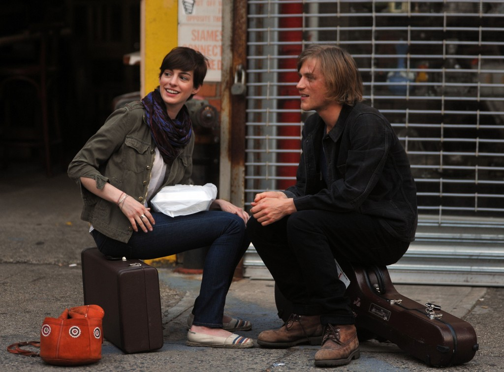 """NEW YORK, NY - JUNE 26:  Anne Hathaway and Johnny Flynn filming """"Song One"""" on June 26, 2013 in New York City.  (Photo by Steve Sands/Getty Images)"""