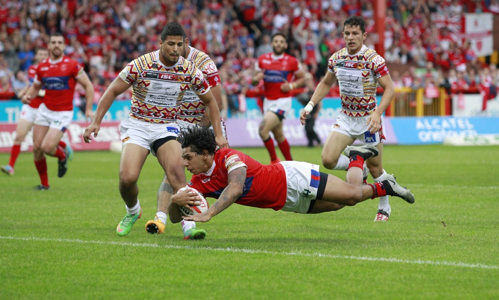 Albert Kelly scores the third try for Hull KIngston Rovers