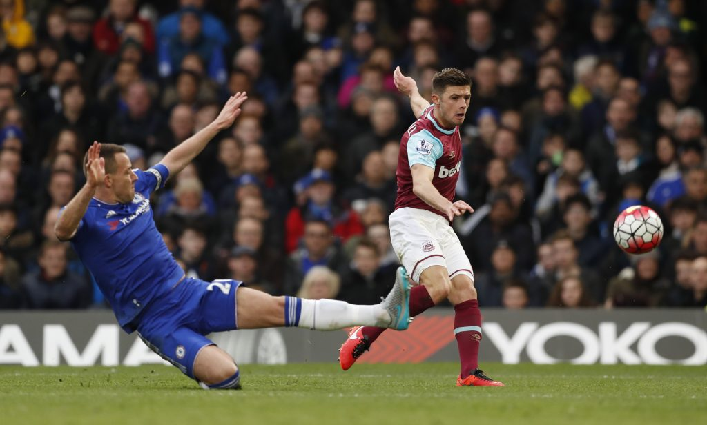 """Football Soccer - Chelsea v West Ham United - Barclays Premier League - Stamford Bridge - 19/3/16 West Ham's Aaron Cresswell shoots at goal Action Images via Reuters / John Sibley Livepic EDITORIAL USE ONLY. No use with unauthorized audio, video, data, fixture lists, club/league logos or """"live"""" services. Online in-match use limited to 45 images, no video emulation. No use in betting, games or single club/league/player publications.  Please contact your account representative for further details."""