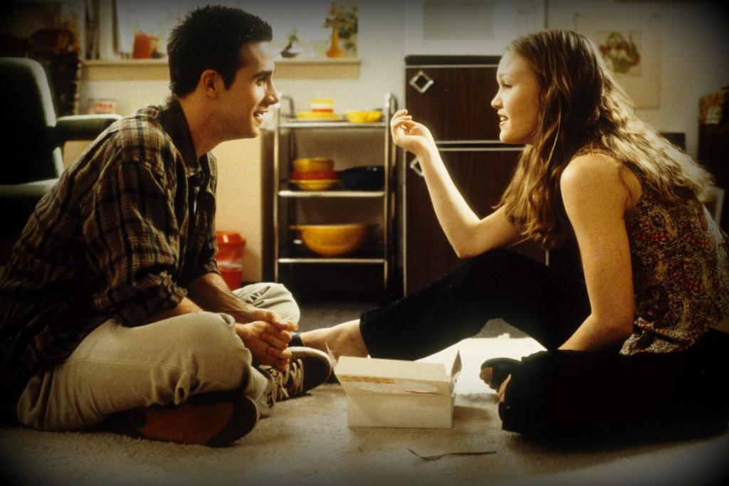 still-of-freddie-prinze-jr.-and-julia-stiles-in-down-to-you-(2000)-large-picture